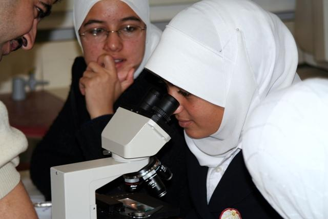 תכנית לקידום נערות מחוננות ממזרח ירושלים במעבדות בלמונטה